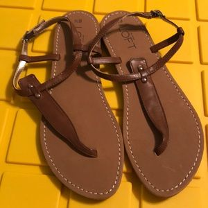 Loft dark brown sandal. size 6.5. Never worn
